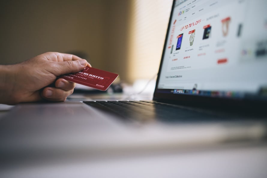 Zakupy internetowe - zdecydowany klient jako zaleta pozycjonowania szerokiego