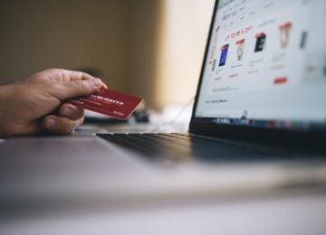 Opisy produktów w sklepie internetowym a ich wpływ na SEO i sprzedaż