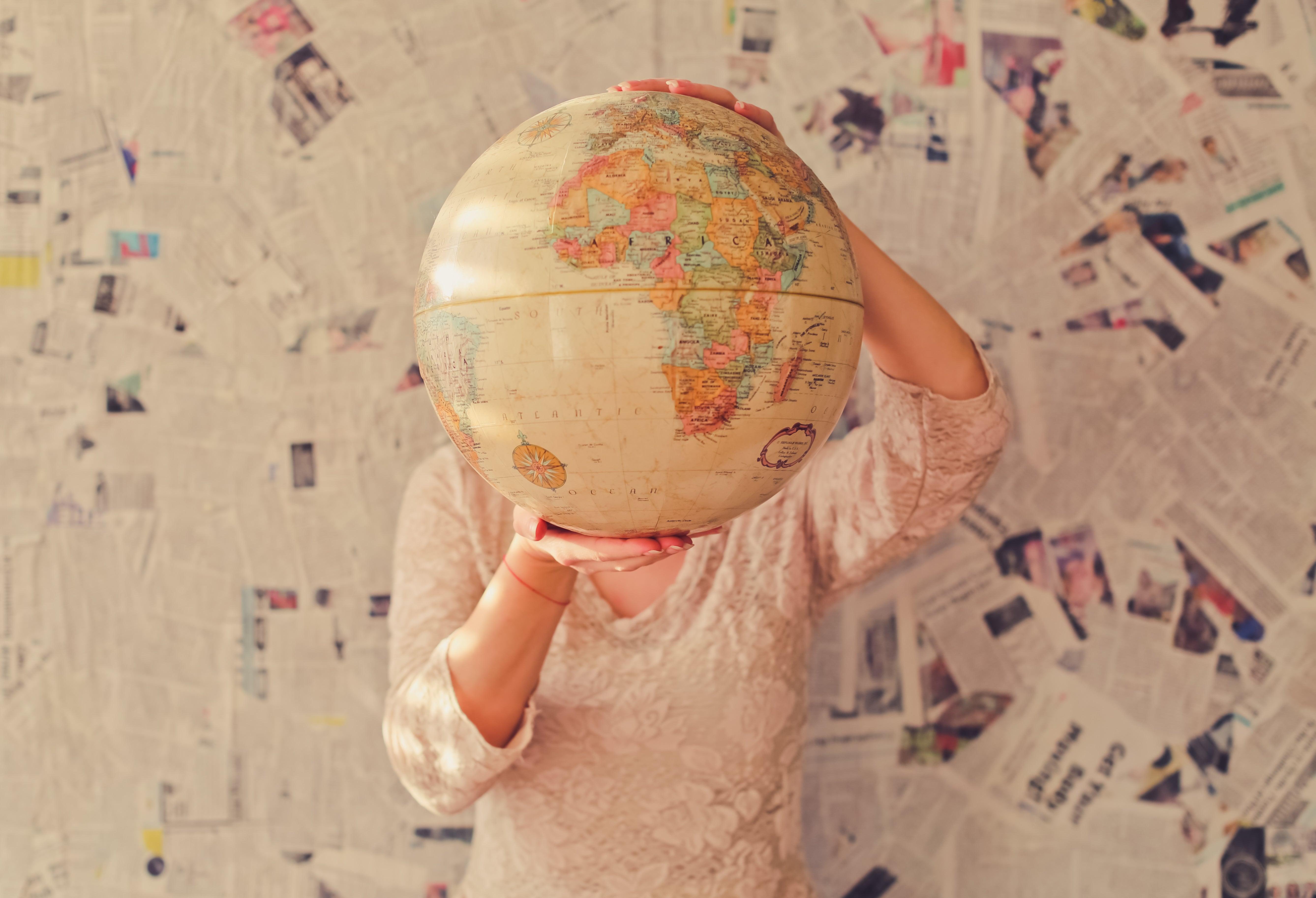 Wejście na rynek zagraniczny - domeny czy wersje językowe?