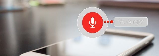 Wyszukiwanie głosowe - asystent Google