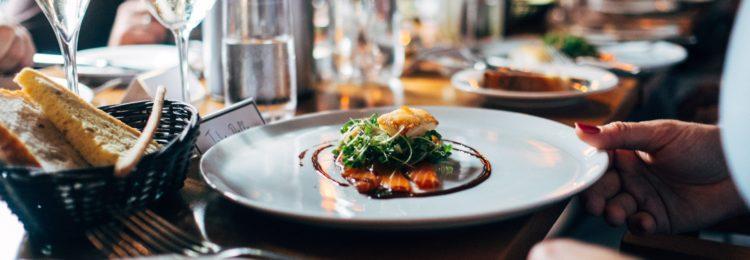 Branża gastronomiczna w internecie. Jak zwiększyć jej widoczność?