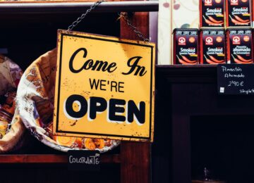 """Co Polacy kupują w internecie? Analiza raportu Gemius """"E-Commerce w Polsce 2020"""""""